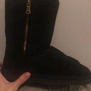 Lamo Brand New boots black.